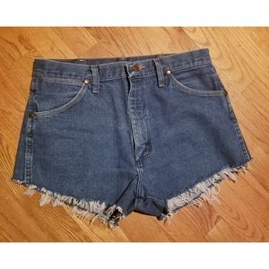 🔴5/$20🔴 Wrangler denim cutoff frayed shorts